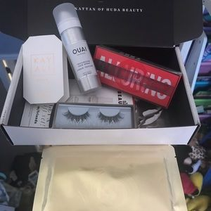 Allure Beauty Box  x Huda beauty